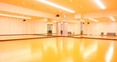 ホットヨガ及びキッズスタジオ